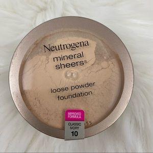 4/$20 Neutrogena Powder Foundation Classic Ivory
